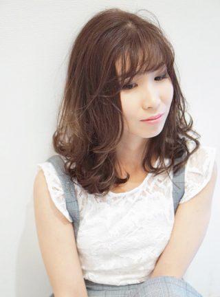 フンワリ小顔ミディ+ソフトベージュ